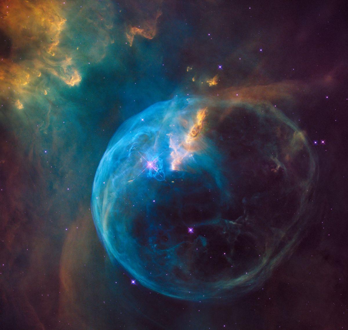 nasa hubble bubble