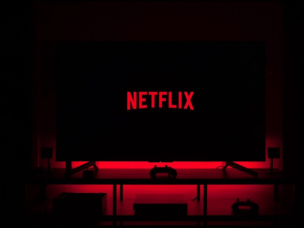 Watch Netflix on non smart TV